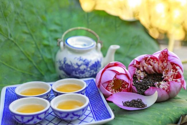 Làm trà sen - một nghề độc đáo ở chốn Hà Thành (25/07/2021)