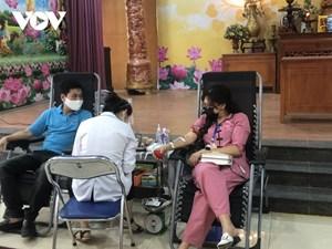 Người dân Hà Nội hiến máu giúp sức cùng miền Nam chống dịch COVID-19 (4/8/2021)