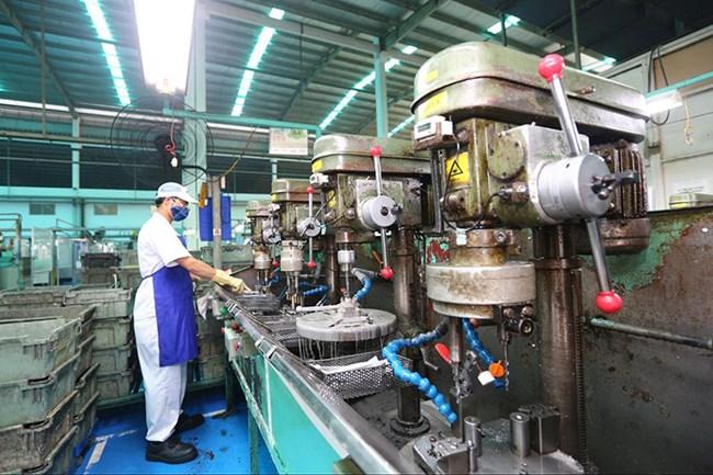 Các địa phương triển khai những giải pháp nào để duy trì và mở rộng vùng xanh cho các doanh nghiệp sản xuất? (14/09/2021)