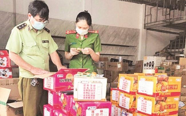 Tăng cường kiểm tra, kiểm soát thị trường bánh Trung thu (13/9/2021)
