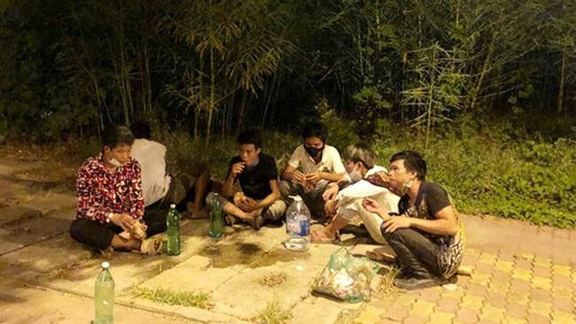 Hà Nội: Người lao động ngoại tỉnh mong sớm được về quê (14/9/2021)