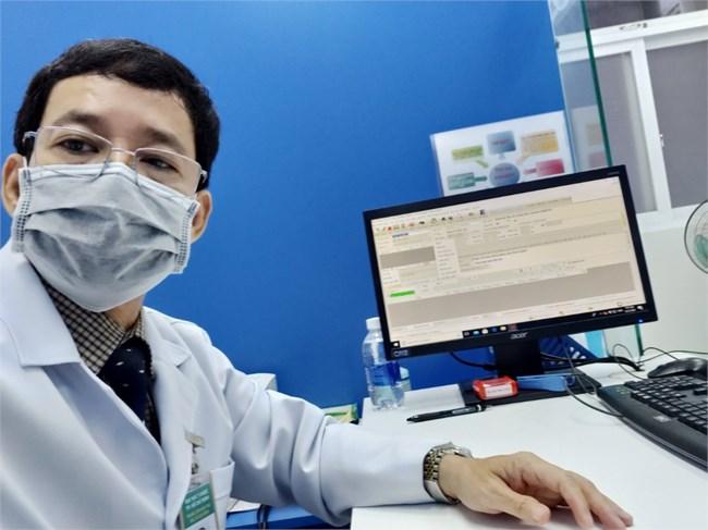 Hàng trăm thầy thuốc mở chiến dịch tư vấn sức khỏe ngày đêm cho người dân trong đại dịch (17/7/2021)