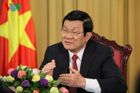 Chủ tịch nước Trương Tấn Sang trả lời báo chí trước thềm năm mới 2016, chia sẻ những đánh giá; nhận định về cơ hội và thách thức đối với đất nước và dân tộc. (Thời sự chiều 30/12/2015)