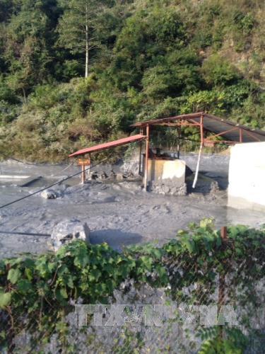Khắc phục sự cố vỡ bể chứa thải nhà máy chì kẽm tại Cao Bằng. (07/01/2016)