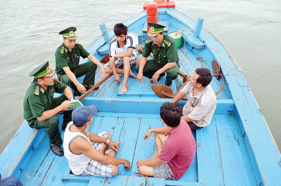 Biển đảo Việt Nam ngày 08/4/2015: Ý nghĩa vô cùng quan trọng của sự gắn kết quân dân trong bảo vệ chủ quyền trên biển.