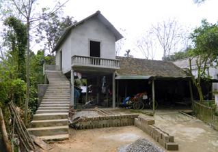 Theo dòng thời sự ngày 19/12/2014: Mô hình nhà vượt lũ ở Hà Tĩnh: Người dân vùng sâu không còn lo lũ dữ
